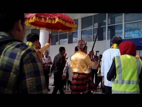 Plt. Gubernur Sulsel, Bupati Kep. Selayar Dan VP. Garuda Indonesia Ikut Terbang Ke Selayar