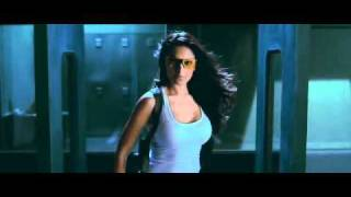Dhoom2-Bipasa Entrance(Awesome video)