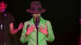 "Erykah Badu ""On & On"" + ""...& On"" Live at Red Bull Music Academy Madrid"