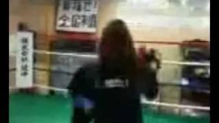 伊丹市のボクシングジム、エスペランサスポーツボクシングジムの女性ト...