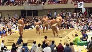 大相撲横浜場所 ちびっこ相撲で、関取に稽古をつけてもらいました。