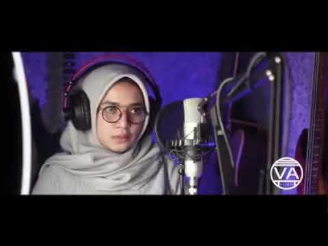 Perempuan Muslim Cantik Nyanyi Lagu India