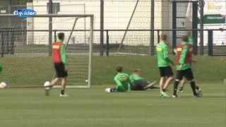Fans beim Training von Borussia Mönchengladbach vor dem Spiel gegen Schalke 04