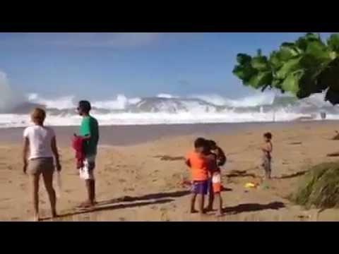 Tsunami llega de repente, INCREIBLE!