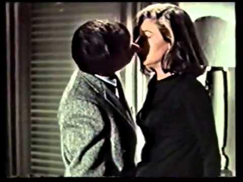 видео: Реклама на VHS 'Байки из склепа том 9' от ЕА Home Video