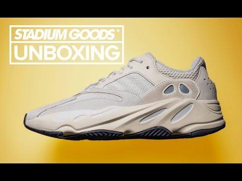 18353d1f6 Adidas Yeezy Boost 700
