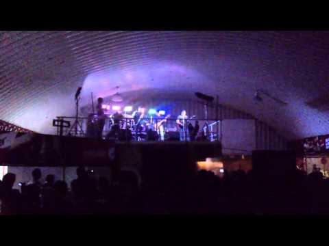 svalbard-abriendo el concierto de  saratoga