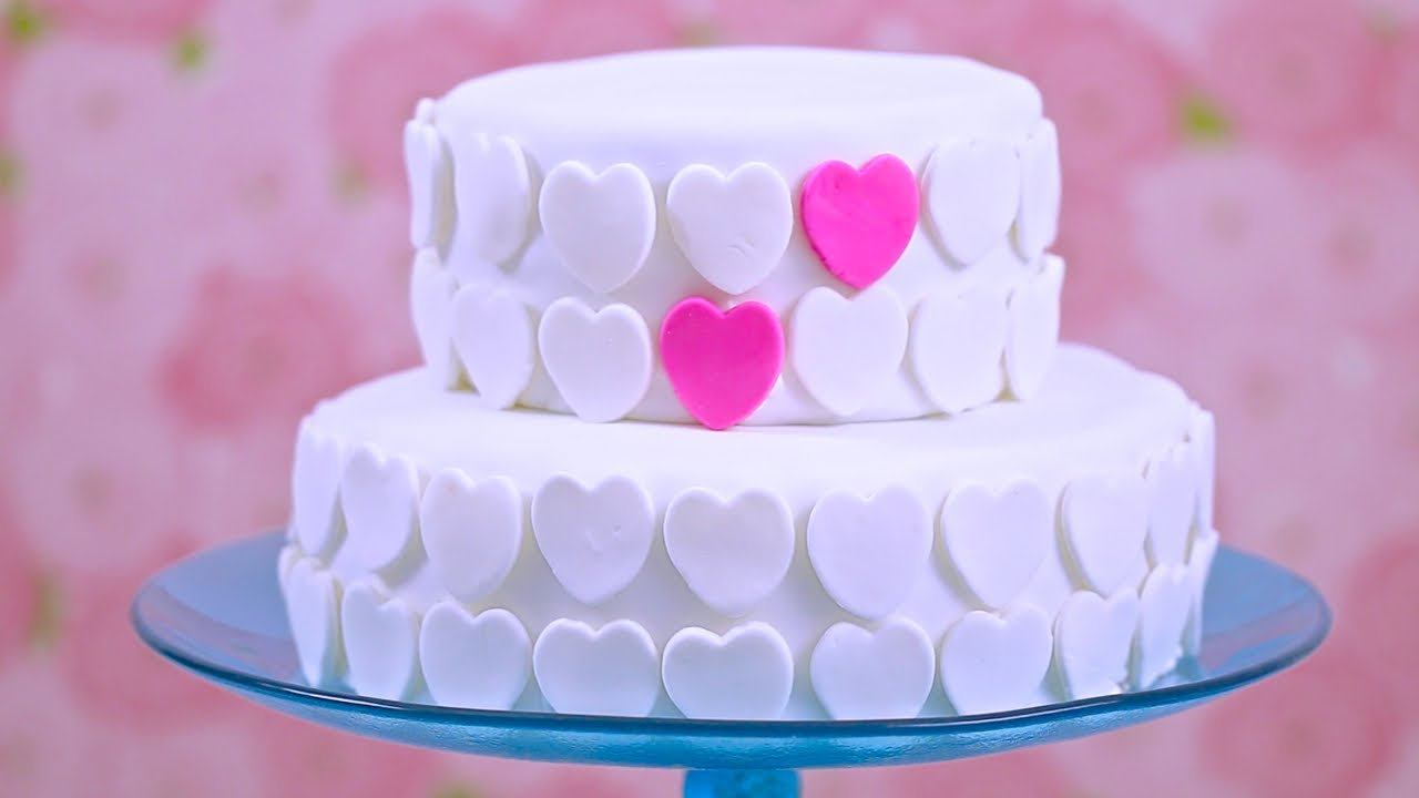 Cake Recipe For Icing With Fondant: How To Make Marshmallow Fondant & Decorate A Cake: Bridal
