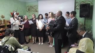 "Хай буде имя Бога благословене! Співає група церкви ""Жива вода"" м. Хмельницьк."