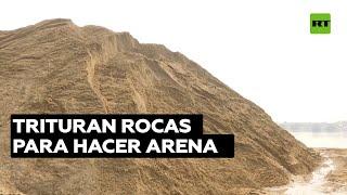 China fabrica arena artificial tras una subida de precios