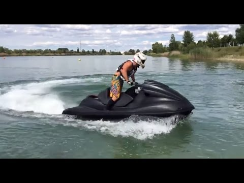 Fucking on a jet ski - 3 3