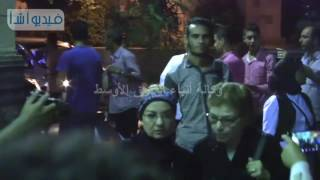 بالفيديو : عزت العلايلي وانعام سالوسة ونبيل الحلفاوي ومحمود حميدة فى عزاء الراحل محمد خان