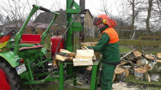 Fendt-Geräteträger F12GT mit Holzspalter, mit dabei Deutz F1L712