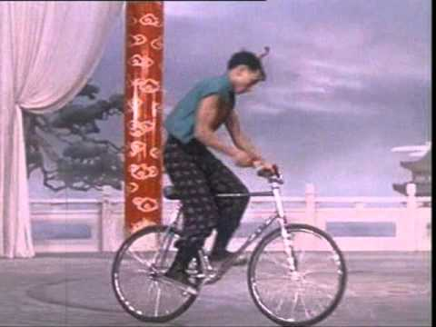 chinese acrobats on bycicles