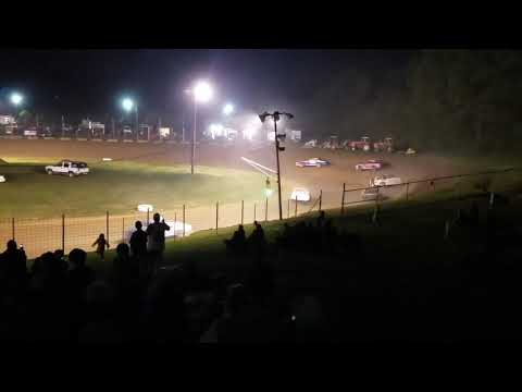Bomber Feature - Paragon Speedway 5/17/19