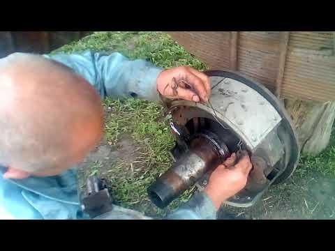 установка пружин тормозных колодок камаз