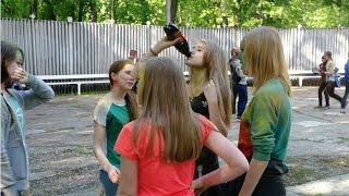 Уроки мата на Фестивале красок