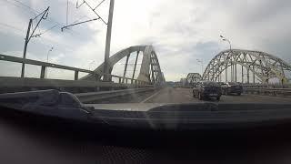 Audi A6 C5 2.5 TDI vs Volkswagen Passat B7 на мосту!