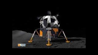 2 Astronauten reden über einige Raumschiffe die sie beobachten und ...