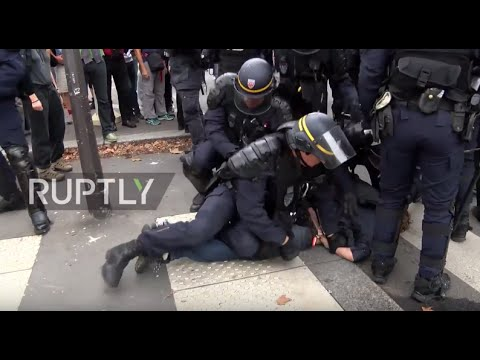 France: Molotov cocktails, teargas and baton charges mar Paris labour law protest