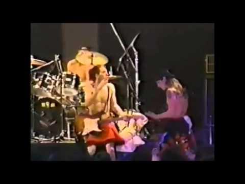 Magic Johnson - Red Hot Chili Peppers Live in Kawasaki 1990