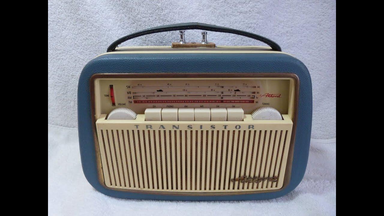 1960 Akkord Pinguin U60-us Am  Fm  Sw Transistor Radio  W  Germany