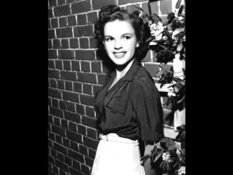 Клип Bing Crosby - You Got Me Where You Want Me