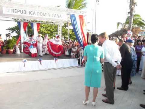 King Willem-Alexander dancing in Republica Dominicana