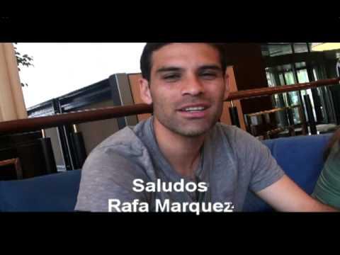 Rafael Marquez saluda a Roberto Borge
