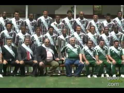 Washington se despede dos companheiros do Fluminense em dia de foto oficial do título