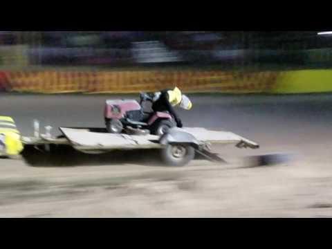 Wild Bill's Raceway ..  bomber trailer race.. 9/3/16