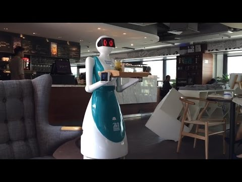 Robot waiters got fired for doing a terrible job (Tomorrow Daily 353)