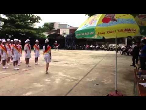 trường THCS Huỳnh Bá Chánh thi nghi thức đội trong ngày hội