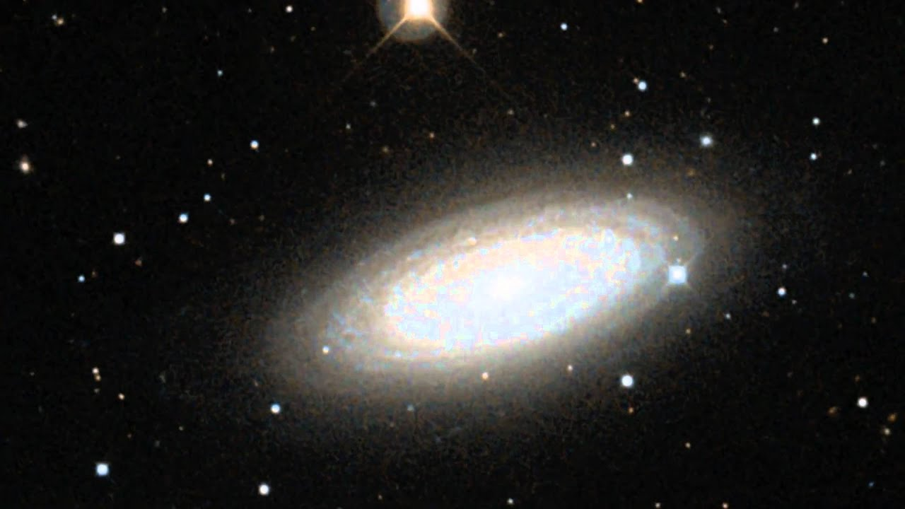 Hubble: Zoom Into Galaxy NGC 2841 [1080p] - YouTube