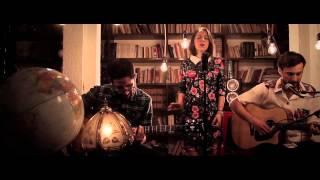 Fernanda Elío - No Me Mires Así (Versión Acústica)