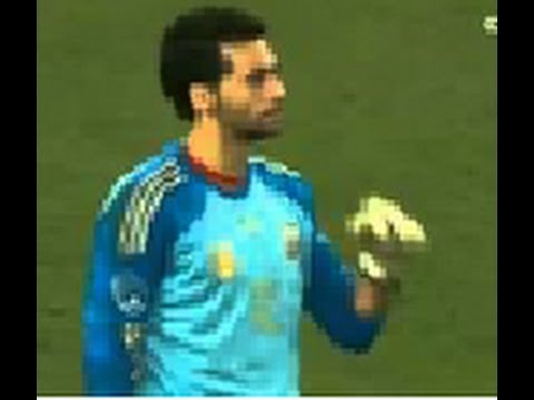 Alvaro Arbeloa Turns Into a Goalkeeper | South Africa vs Spain, 19.11.13