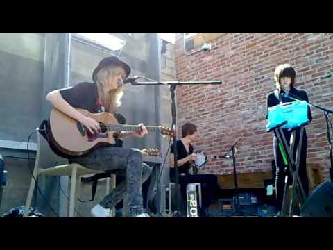 Ladyhawke - My Delirium - Acoustic - 10/4/2009