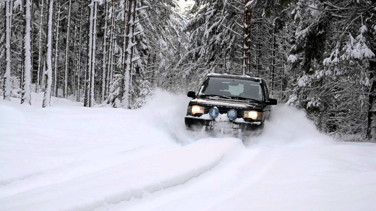 P38 Range Rover in deep snow