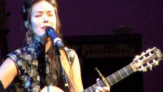 "Tina Malia - ""Apenas Sale Aurora"" LIVE from India.Arie & Idan Raichel"
