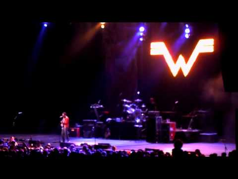 Weezer - Island In The Sun (B.O.M.B. Fest - Hartford, CT 05.28.11)
