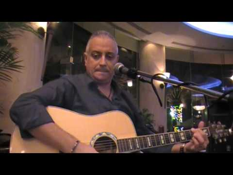 Aziz Cheurfa Ardia in Millennium Doha only internationals songs 2014