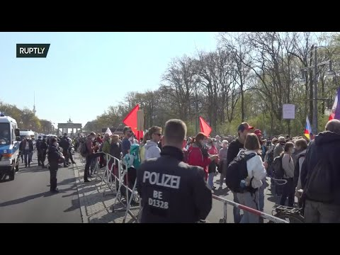 LIVE: Anti-lockdown demonstrators protest Infection Protection Act in Berlin: counter-demos expected