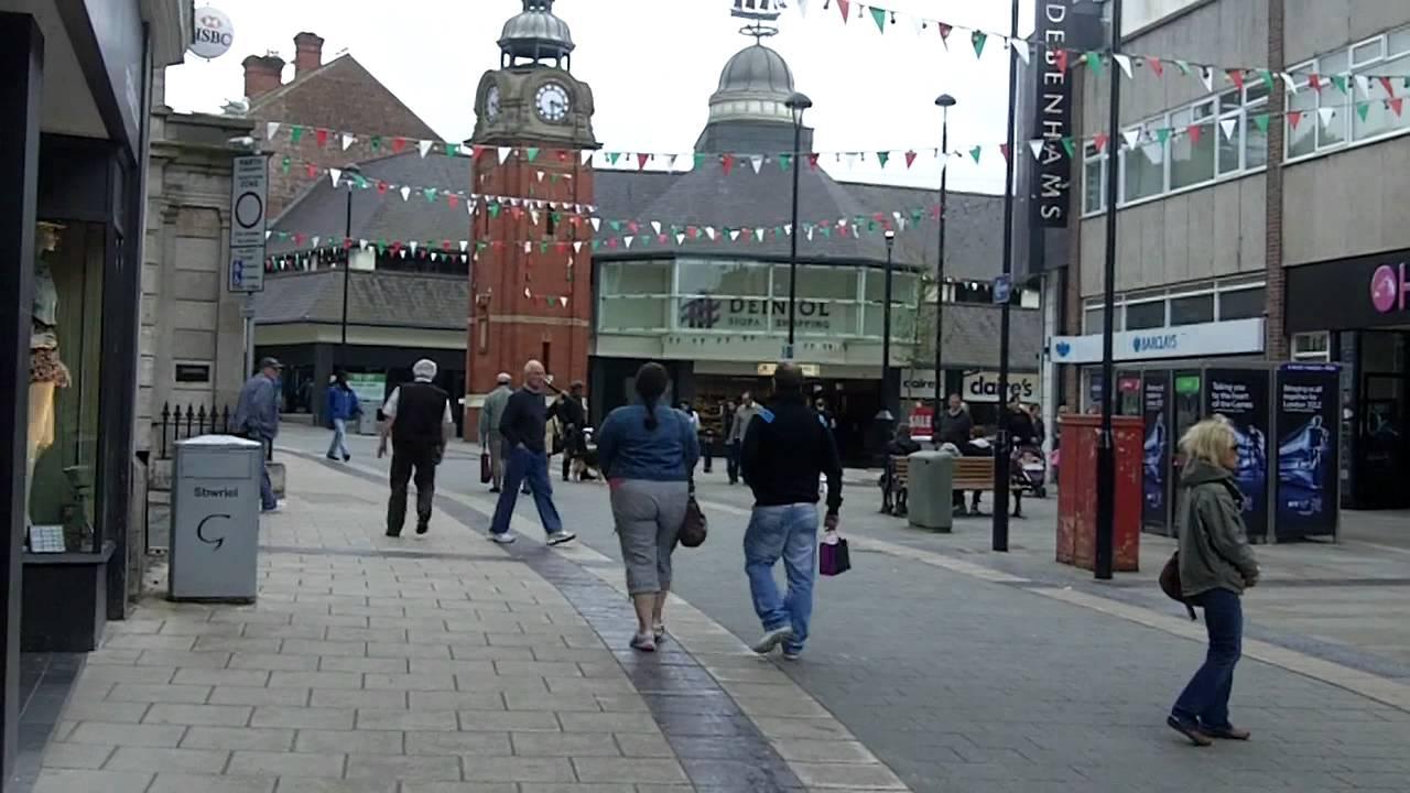 Bangor City Centre, Wales. - YouTube