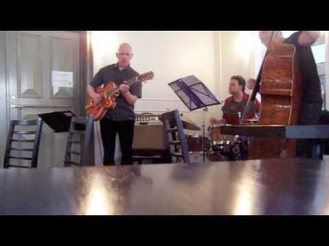 Andres Thor Trio,  Augun thin bla
