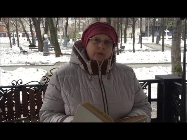 Изображение предпросмотра прочтения – НатальяМайорова читает произведение «Отговорила роща золотая» С.А.Есенина