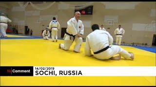 شاهد: بوتين يمارس الجودو في سوتشي ويصاب في إصبعه