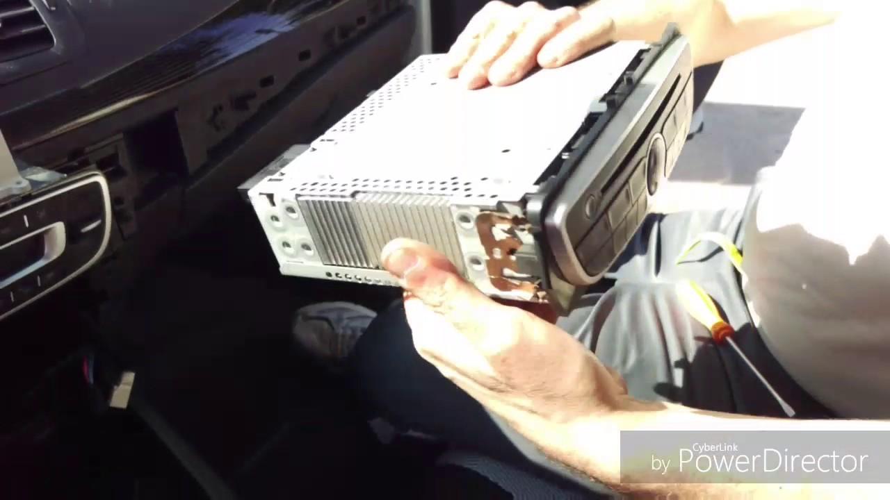 medium resolution of car radio replacement renault megane iii sostituzione autoradio renault megane iii