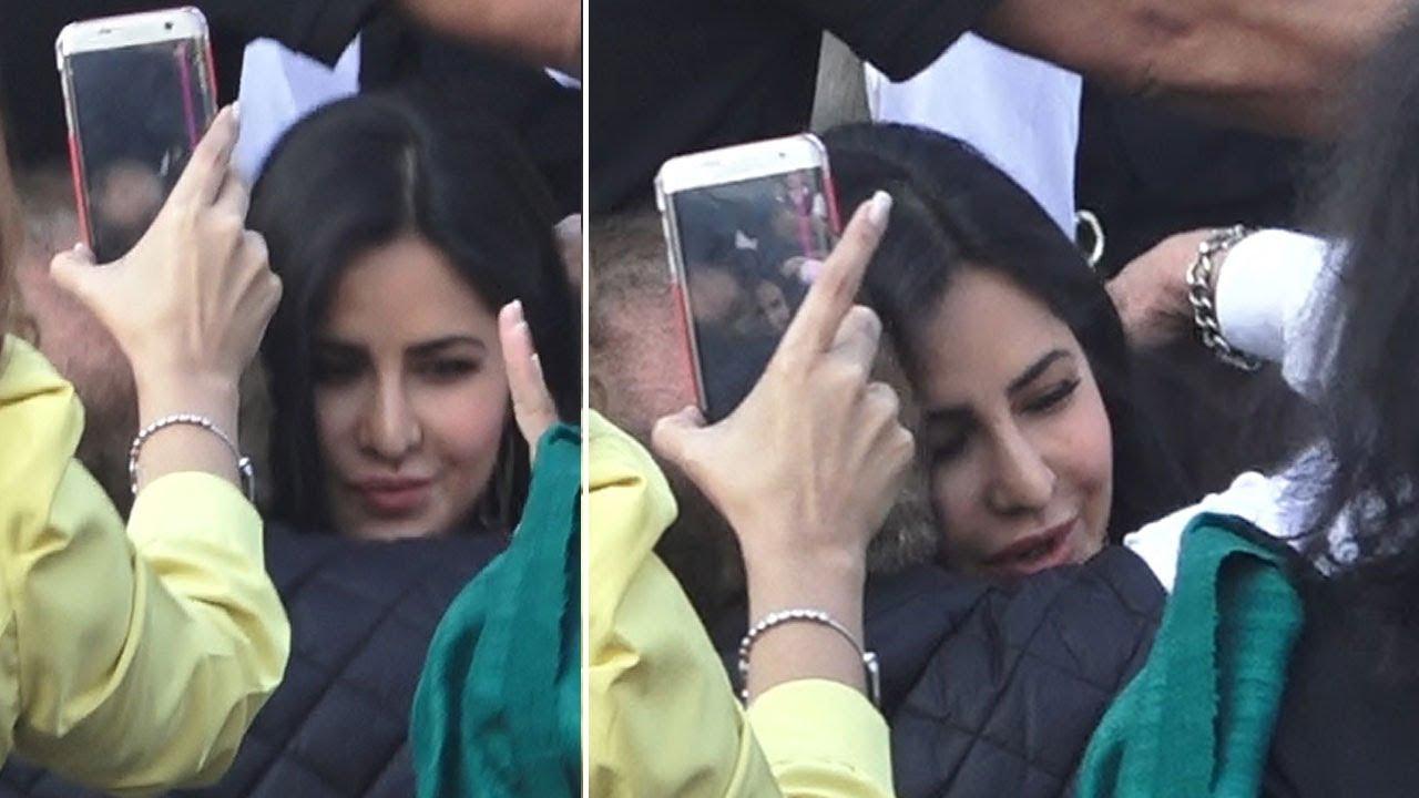 Katrina Kaif shows respect, meets Salman Khan's father ...