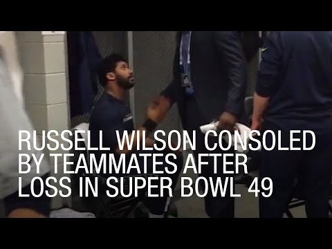 Russell Wilson Consoled By Teammates After Loss in Super Bowl 49