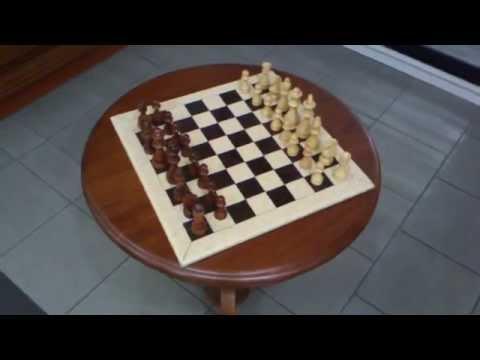 Стол из натурального дерева Ясень . Столик для игры в шахматы .